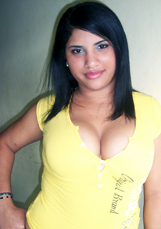 Single girl Mildre  22 years old