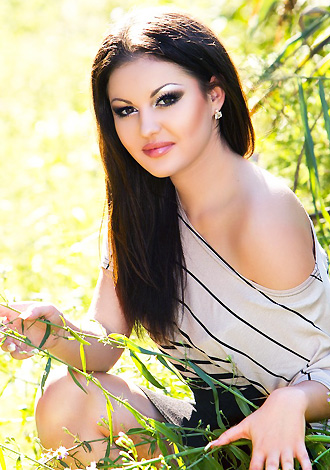 Single girl Juliya 22 years old