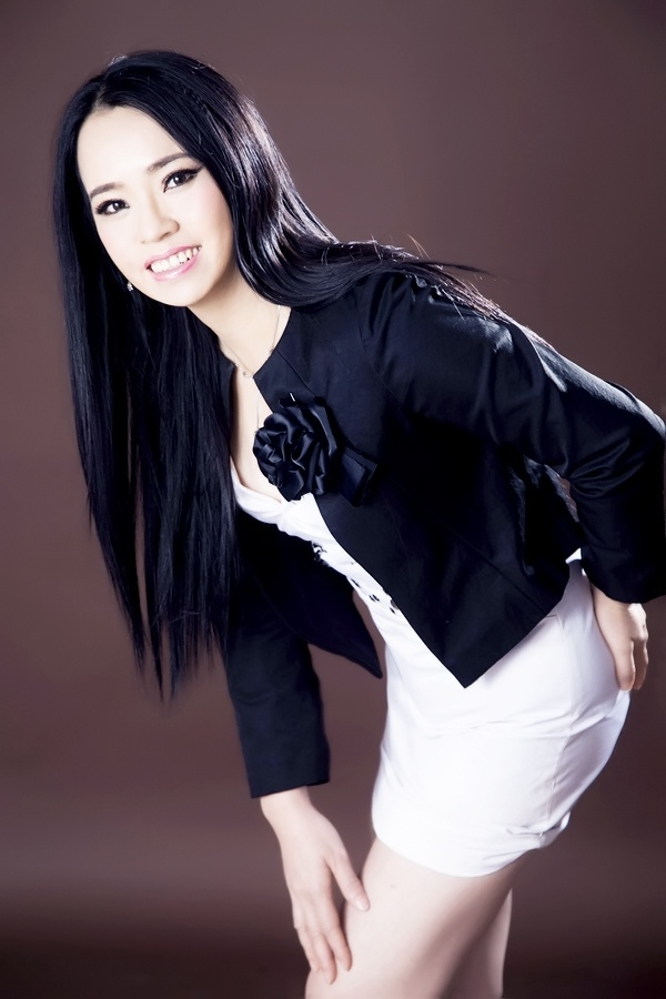 falcon heights asian single women It's not easy being single in mendota heights - but it's a cinch meeting single men and single women on matchcom  asian ,.
