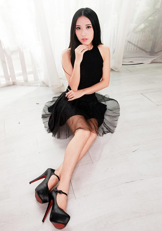 Single girl Qianyi (Cindy) 25 years old