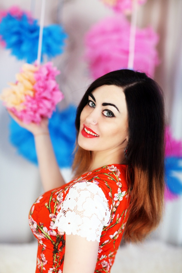 Single girl Lyubov 30 years old