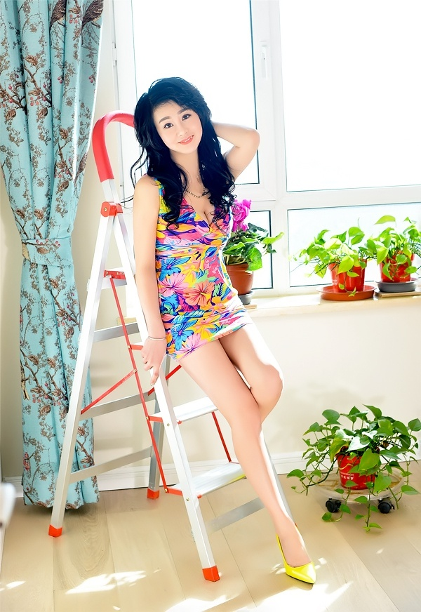 Single girl Qi (Emily) 36 years old