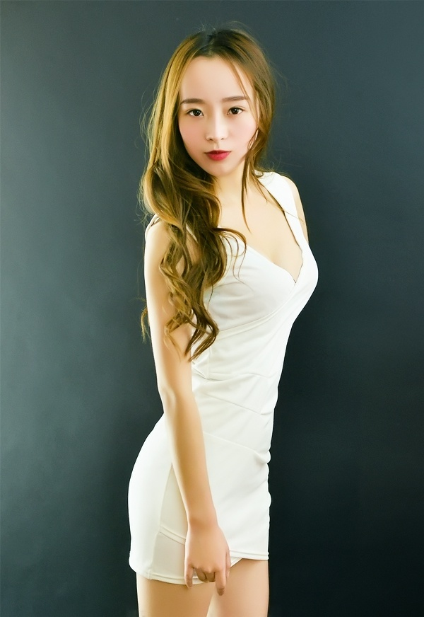 Single girl ChunRu (Darlene) 25 years old