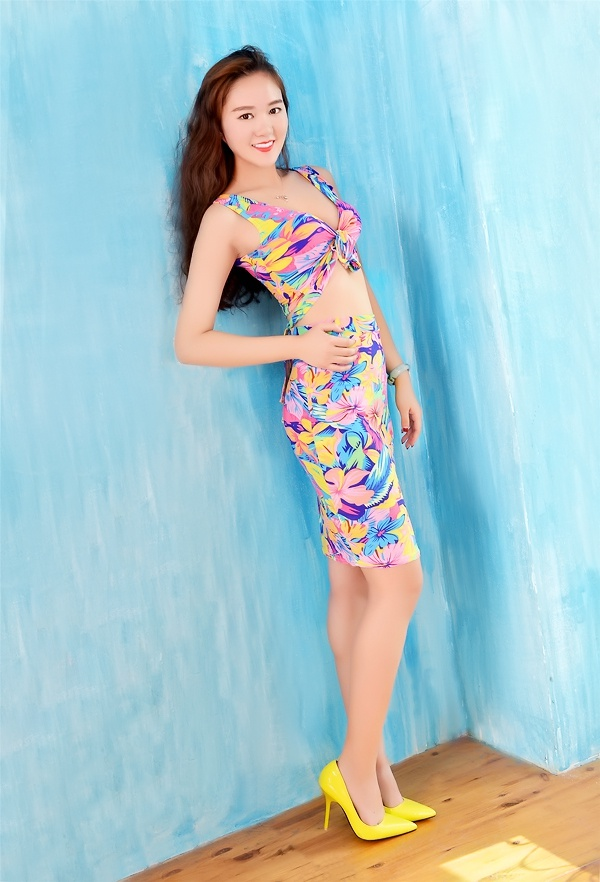 Russian bride LiWen (Winni) from Shijiazhuang