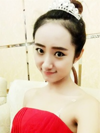 Asian woman Wanting (Bess) from Shenyang, China