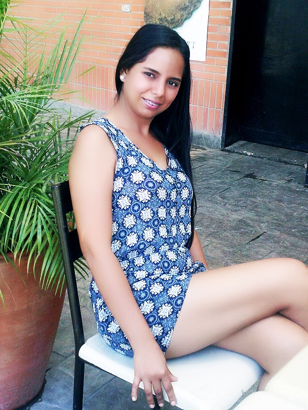 Russian bride Karen Angeling from Barquisimeto