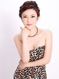 Asian woman Wenli (Winnie) from Shenzhen, China