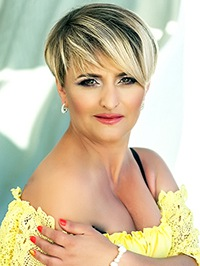 Russian woman Ruzanna from Odessa, Ukraine