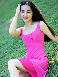 Asian woman Qingqing (Queena) from Shenzhen, China