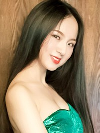 Asian woman Min from Changsha, China
