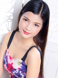 Asian woman Lin from Changsha, China