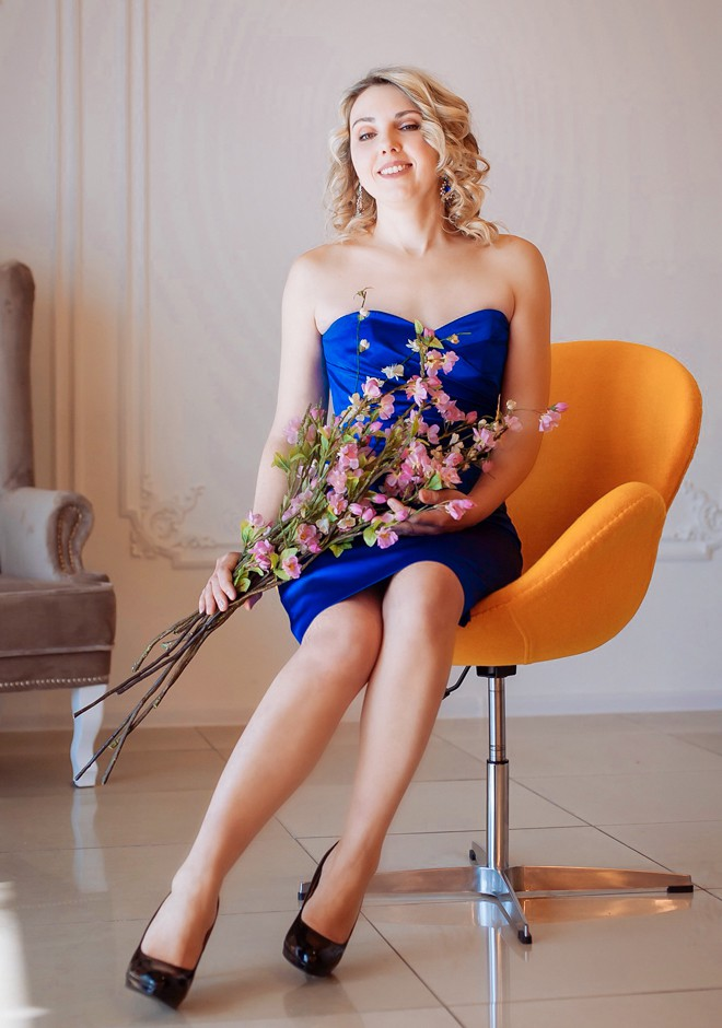Single girl Lyudmila 39 years old