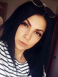 Russian woman Olga from Mariupol, Ukraine