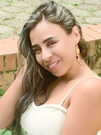 Latin woman Ana Jennyfer from Cauca, Colombia