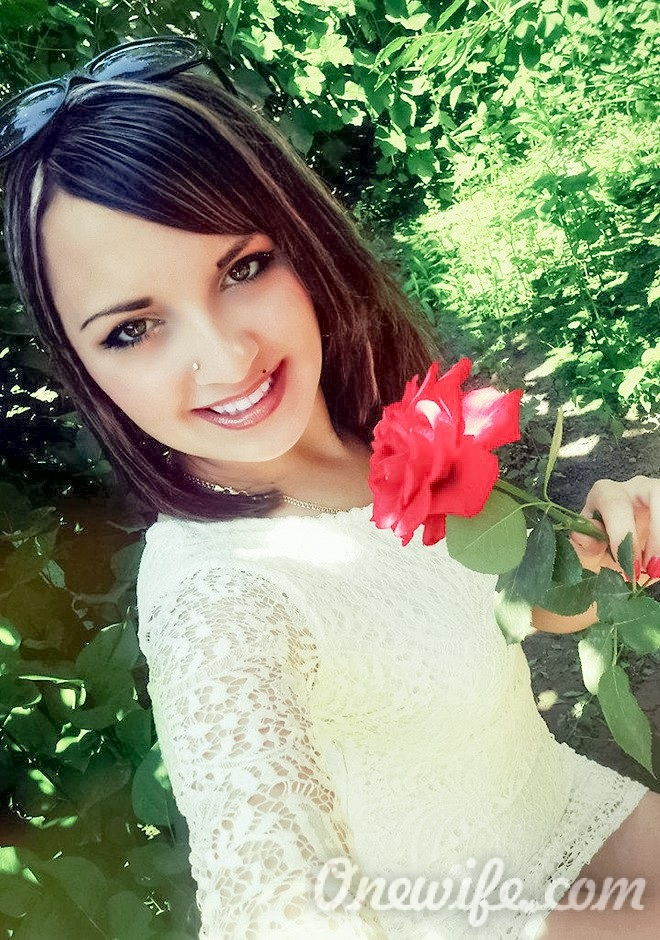 Single girl Ekaterina 23 years old