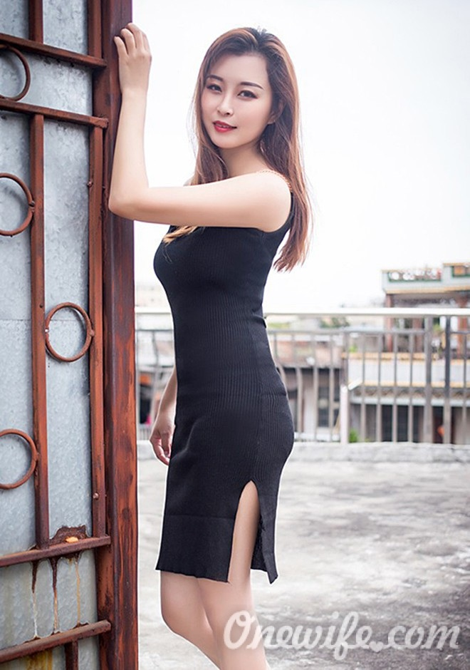 Russian bride JiaYi from Nanchang